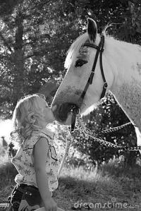 little-girl-kissing-pony-5775390[1]